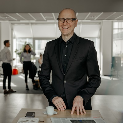 Dr. Sebastian Schwark